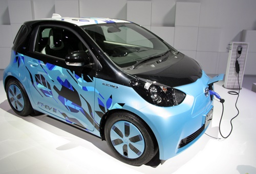 Toyota IQ EV For New Concept Blue and Black Body