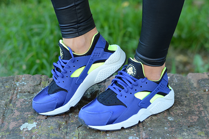 scarpe nike bianche e blu