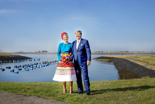Queen Maxima wore Claes Iversen colourful skirt from Claes Iversen Haute Couture SS2017. visit to Schouwen-Duiveland and Tholen