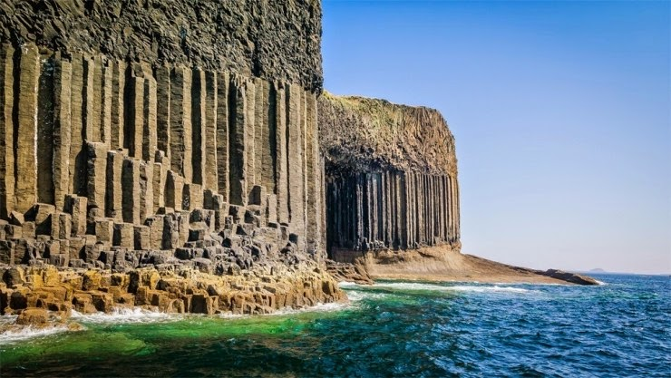 9. Fingal's Cave, Scotland - Top 10 Incredible Beauties Hidden in the Caves