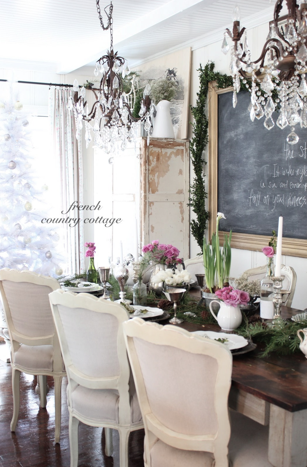 Romantic Dining Room: Romantic Holiday Dining