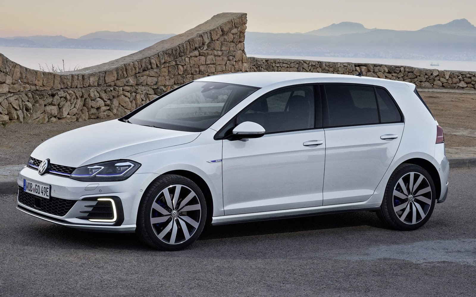 volkswagen golf gte 2018 fotos e especifica es oficiais car blog br. Black Bedroom Furniture Sets. Home Design Ideas