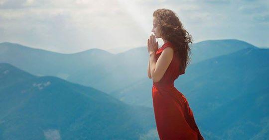 Maturidade espiritual é quando você aprende a calar,a se afastar,não se queixa e agradece pelo que tem