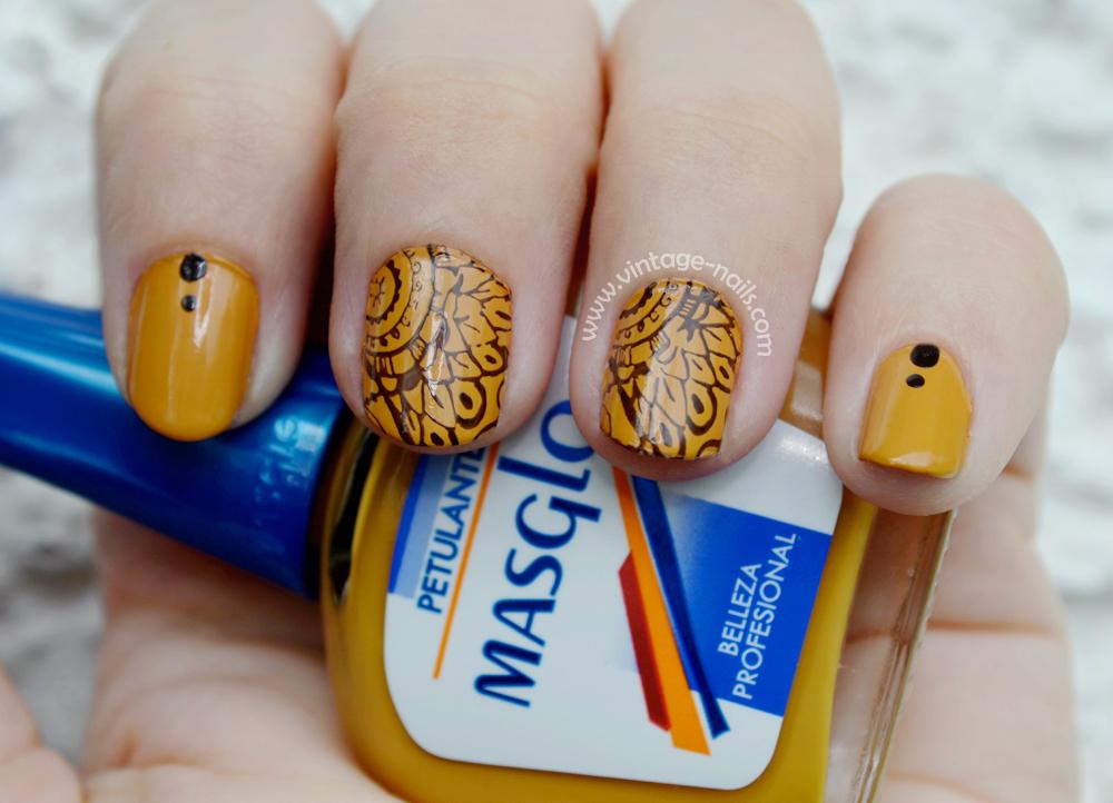 Manicura camel con Petulante de Masglo - Vintage Nails