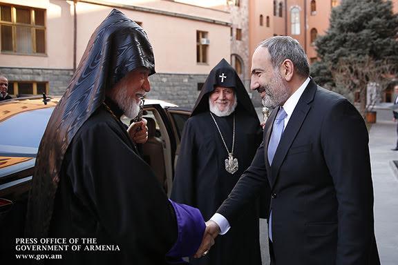 Reunión entre Pashinyan, Karekin II y Aram I