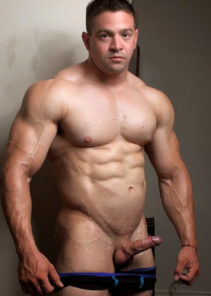 Nude male bodybuilder, naked stage video