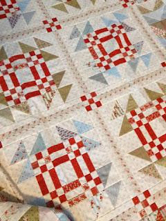Roberta's Snow Goose quilt: QuiltBee