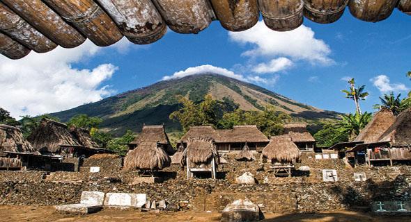 Desa Tradisional Di Kabupaten Ngada Yang Sangat Memukau