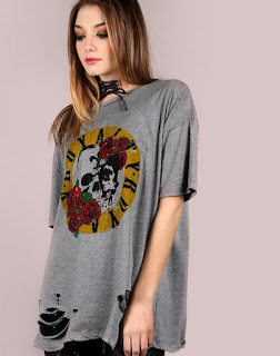 http://fr.shein.com/Oversized-Short-Sleeve-Royalty-Graphic-Tee-GREY-p-335572-cat-1738.html?utm_source=melimelook.fr&utm_medium=blogger&url_from=melimelook
