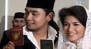 Foto Pernikahan Meisya Siregar dan Bebi Romeo menikah pada Desember 2004