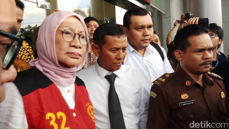 Jokowi Sebut Ratna Sarumpaet Jujur, Salahkan yang Bilang Penganiayaan