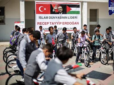 Presiden Erdogan Berikan Hadiah 1000 Sepeda Untuk Anak-anak Gaza