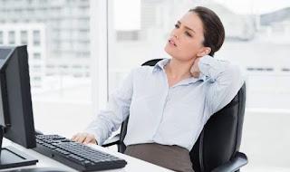 Nyeri pundak sanggup terjadi pada salah satu otot Bahu Terasa Pegal dan Nyeri? Obati Pakai 10 Cara Ini