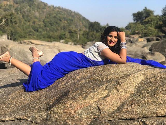 Bhojpuri heroine Poonam Dubey Sexy photos