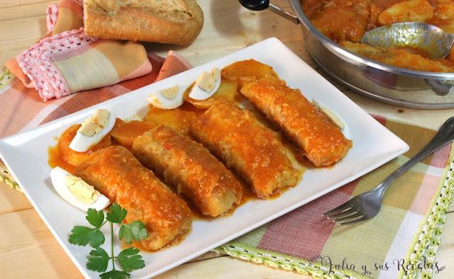 Lomos de merluza con patatas y salsa de pimientos rojos. Julia y sus recetas