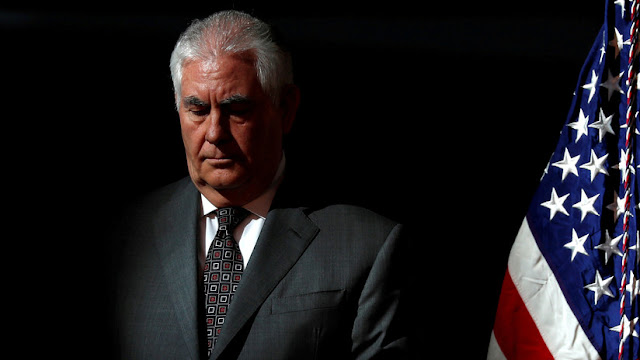 Funcionarios del Departamento de Estado de EE.UU. acusan a Tillerson de violar la ley
