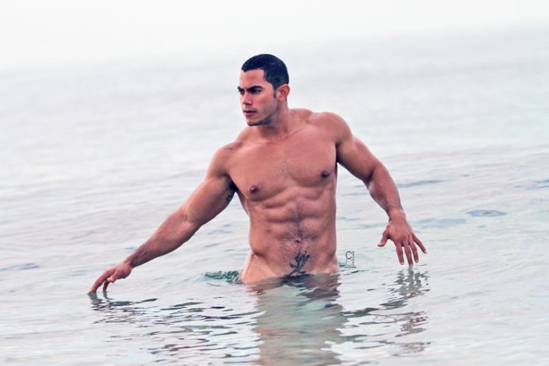 Ismael Duin, modelo sarado e pelado (2)