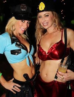 Chicas disfrazadas de policia