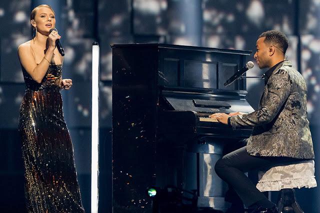 Zara Larsson y John Legend en el Nobel Peace Prize Concert 2017