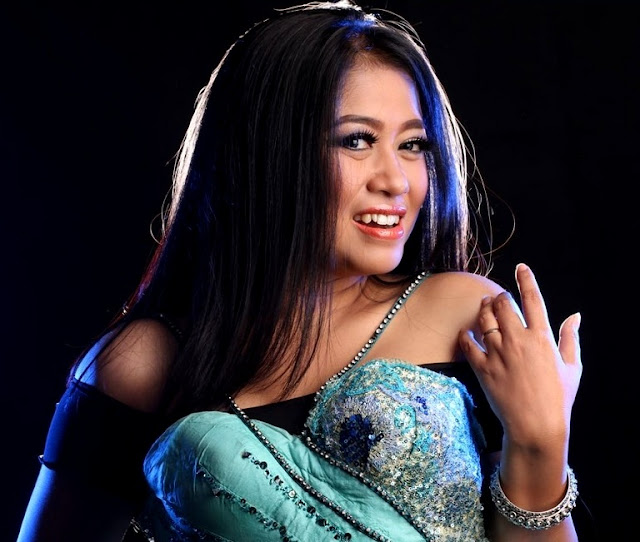 Foto Lilin Herlina Cantik