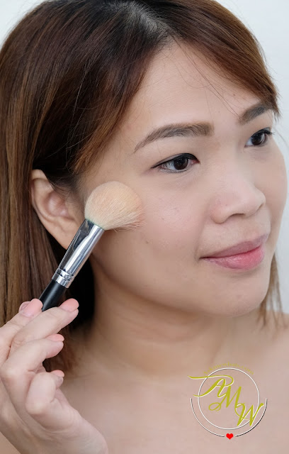 a photo of Clinique Sculptionary Cheek Contouring palette in Defining Nectars review