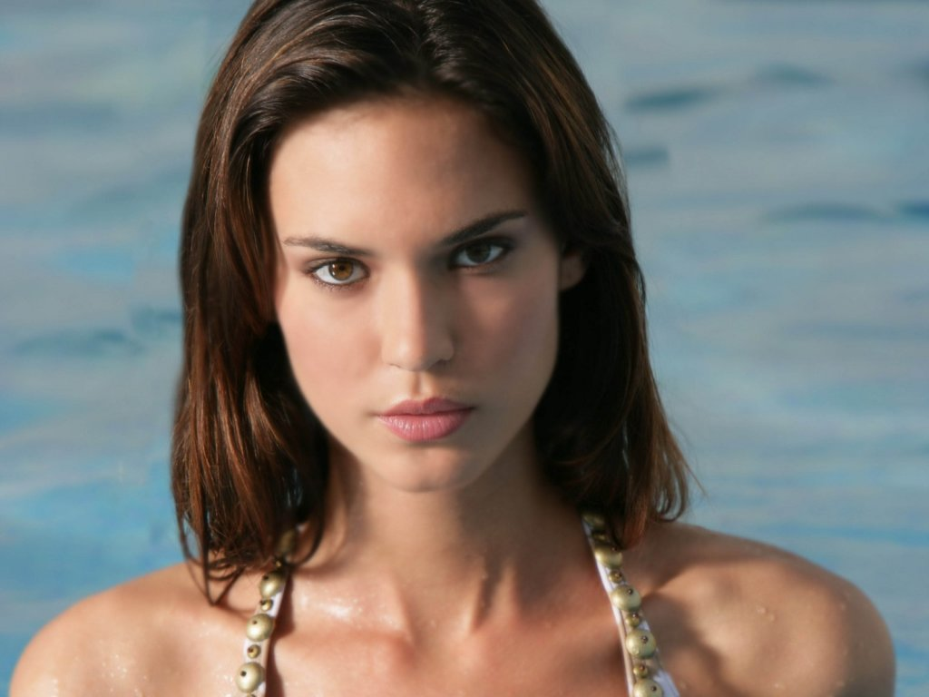 Odette Annable Photos | Tv Series Posters and Cast