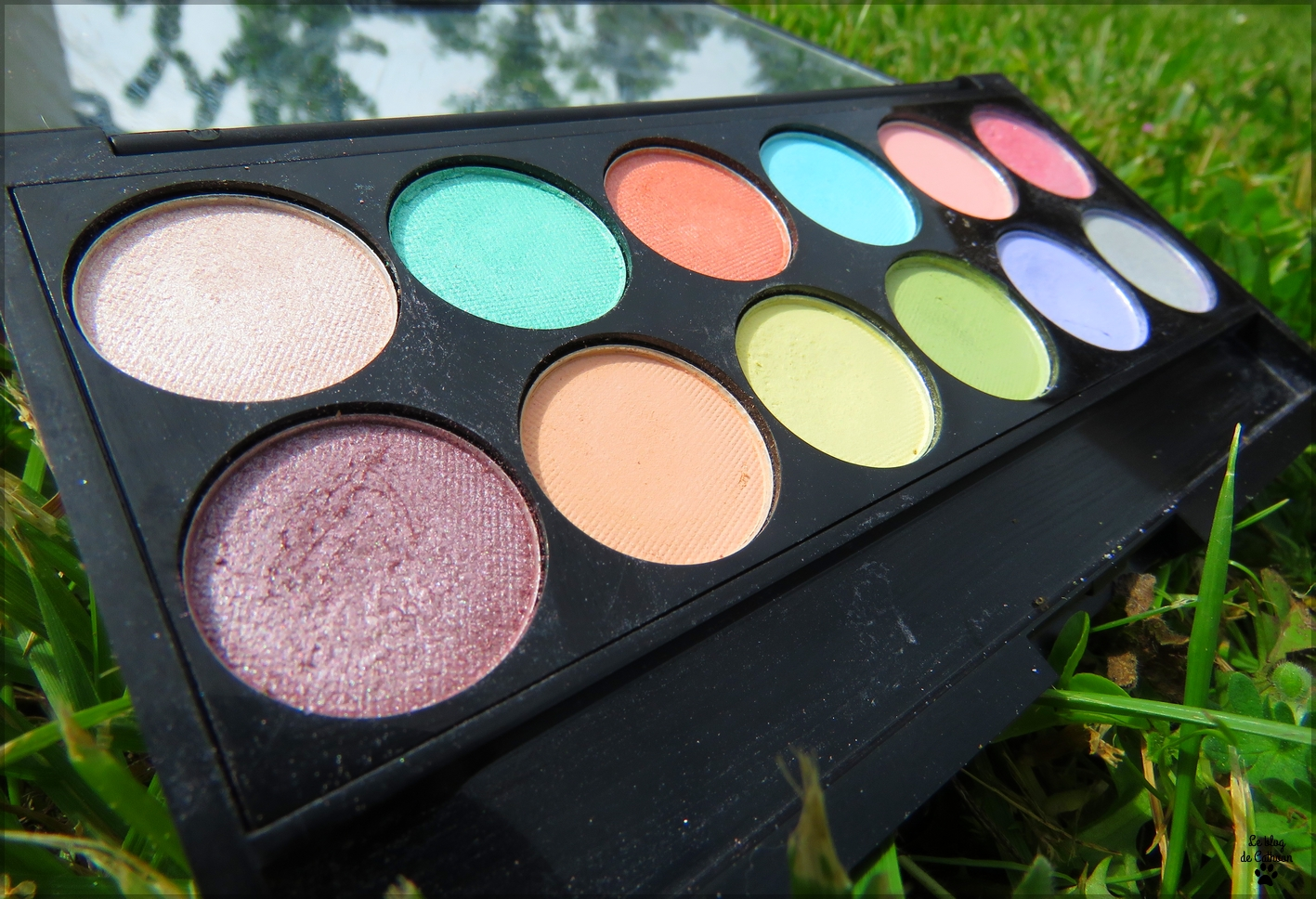 Palette Whimsical Wonderland - All The Fun Of The Fair - Sleek