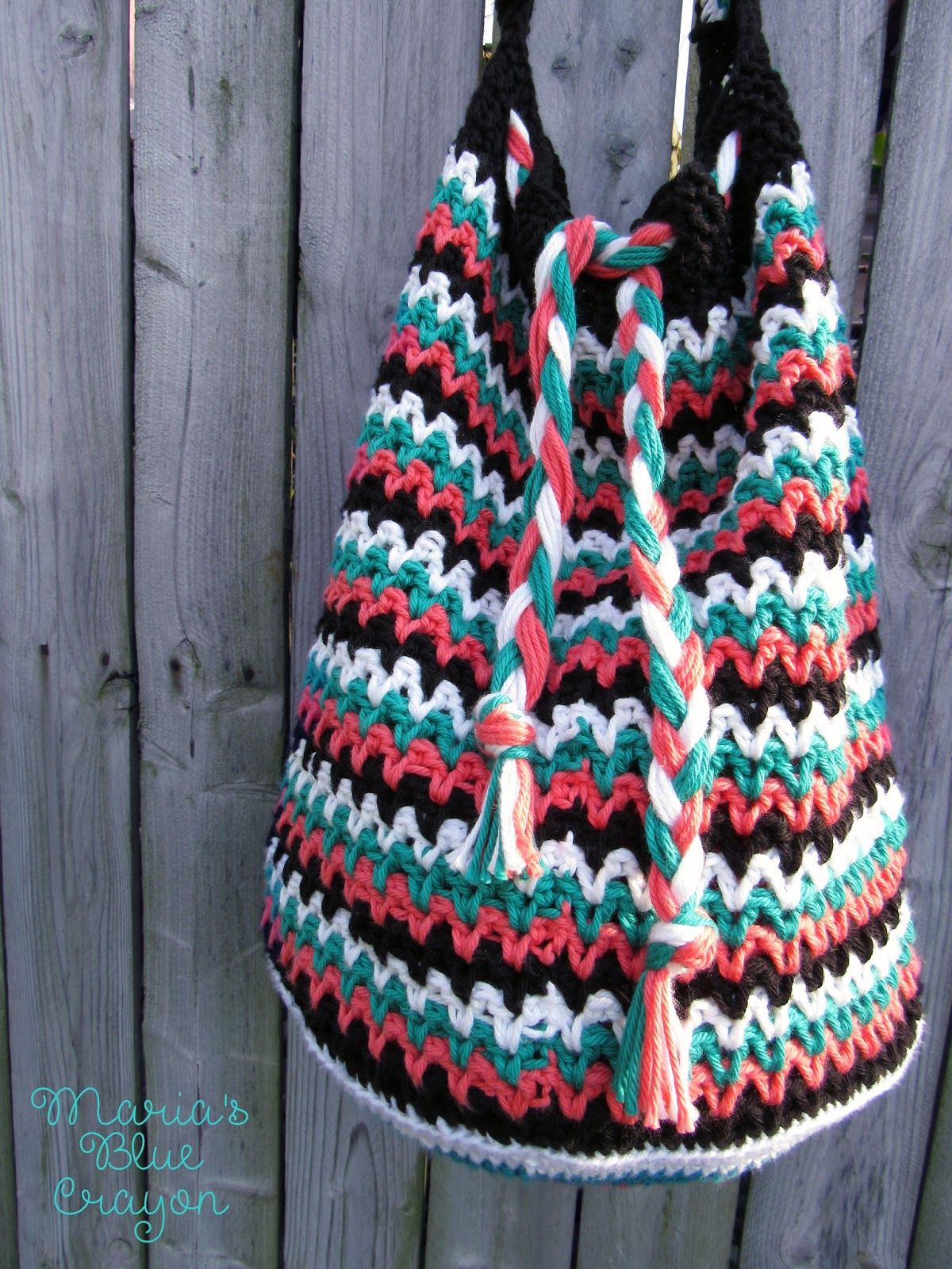 The roxy bag crochet pattern marias blue crayon im not much of a purse type of girl im more of a grab a bag and put in everything i might need type of girl because momlife and im always expected bankloansurffo Image collections