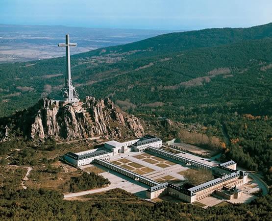Mausoleos incómodos para la historia contemporánea