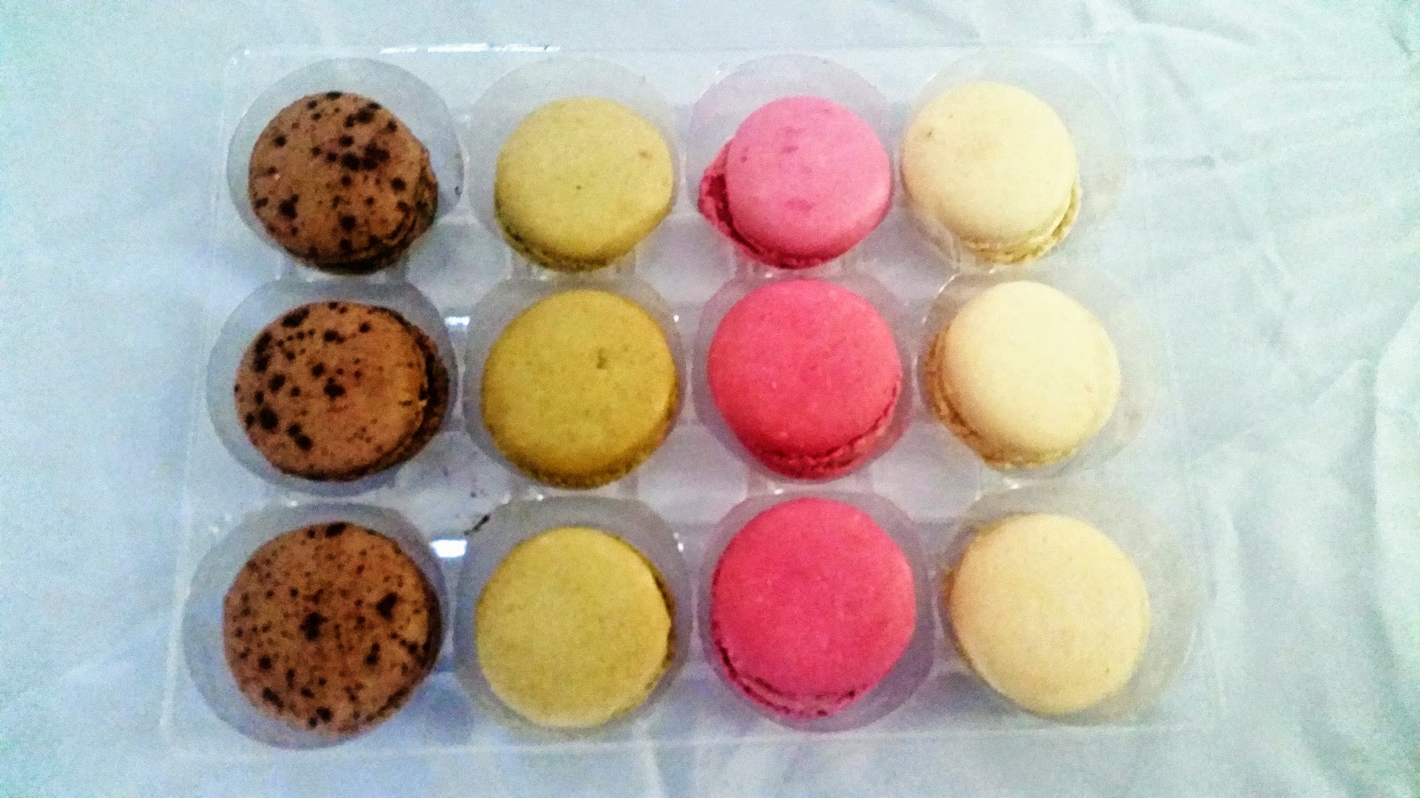 LOOKA Patisserie French Desserts Review and Giveaway Ends 7/14- #macarons via ProductReviewMom.com