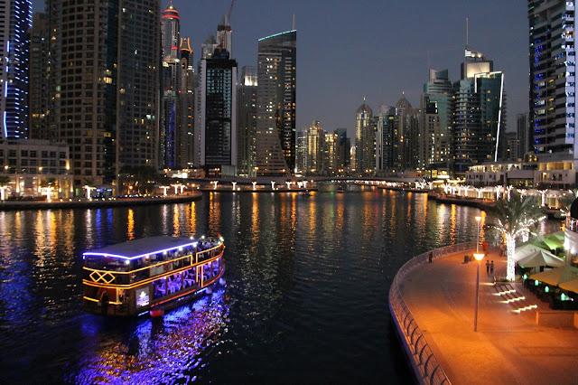 pimeä Dubai lasten kanssa