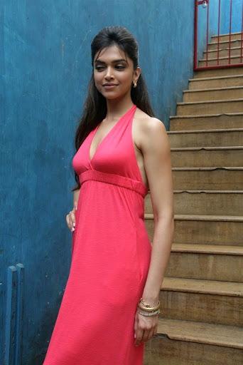 Deepika Padukone In Pink Dress Photoshoot Actress