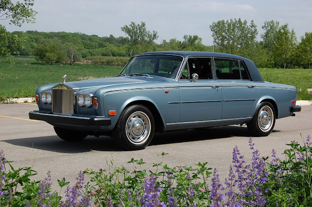 Fellowship of Friends cult leader Robert Earl Burton traveled in a 1974 Rolls Royce Silver like this