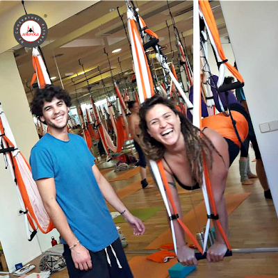 AEROYOGA, AIR YOGA, YOGA AEREO, aerial yoga, yoga aerien, madrid, teacher training, formacion, curso, seminarios, talleres, profesorado, videos, tutoriales