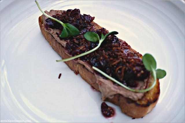 Duck Liver Mousse Toast en Viale