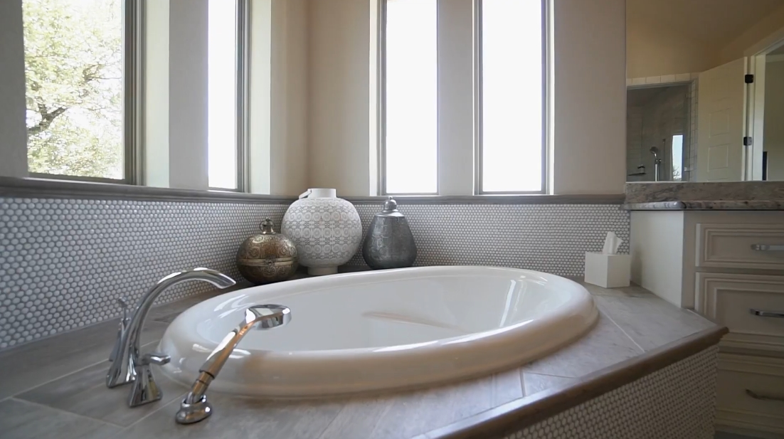 26 Interior Design Photos vs. Rocky Creek Austin Texas Luxury Home Tour