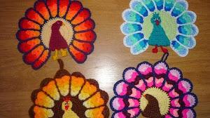 Agarradera con forma de pavo real tejida al crochet - Tutorial paso a paso