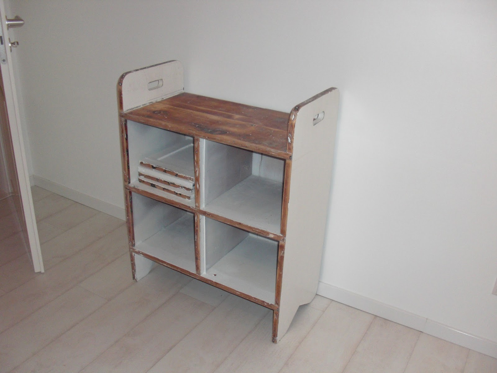 heim elich wieder wei e kommode. Black Bedroom Furniture Sets. Home Design Ideas