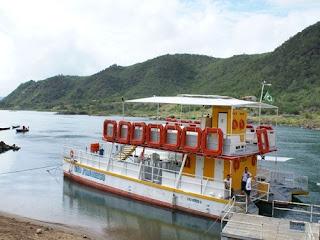 www.canionsxingo.com.br O catamarã São Francisco opera apenas na parte  baixa da Hidroelétrica
