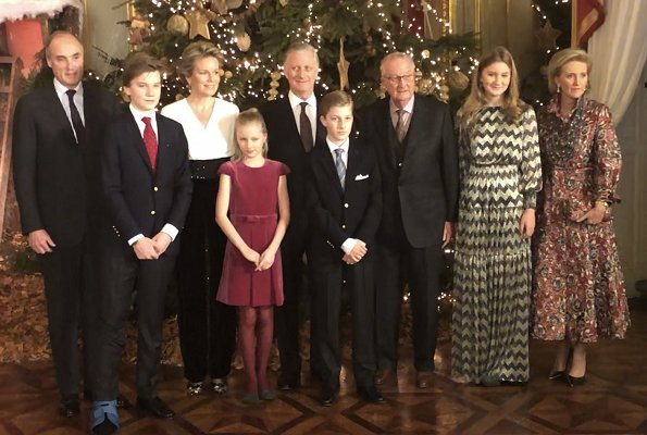 Crown Princess Elisabeth wore a long dress by ba&sh. Queen Mathilde wore a jupsuit by Natan. Princess Eleonore, Princess Astrid