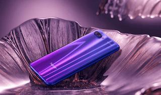 هاتف Honor 10 جديد يدعم الذكاء الإصطناعي و ألوان الهاتف و الزجاج الخلفي 3D
