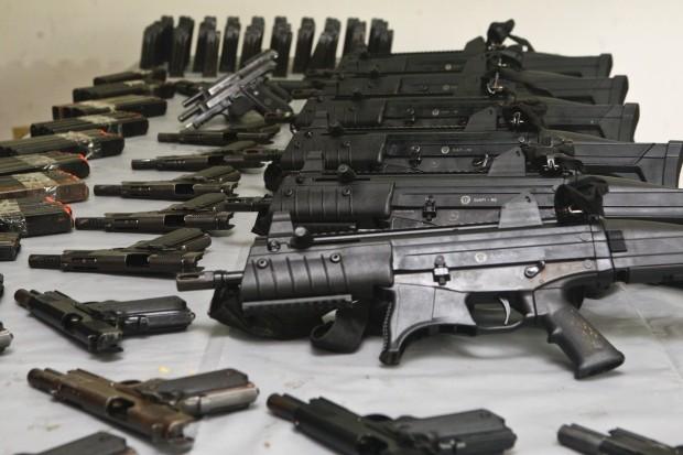 Resultado de imagem para armas pesadas