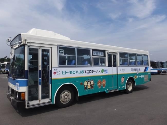 [林承毅]「沒客人載,可以載貨啊!」公車變身宅急便!日本服務創新,解決偏鄉老人問題|數位時代