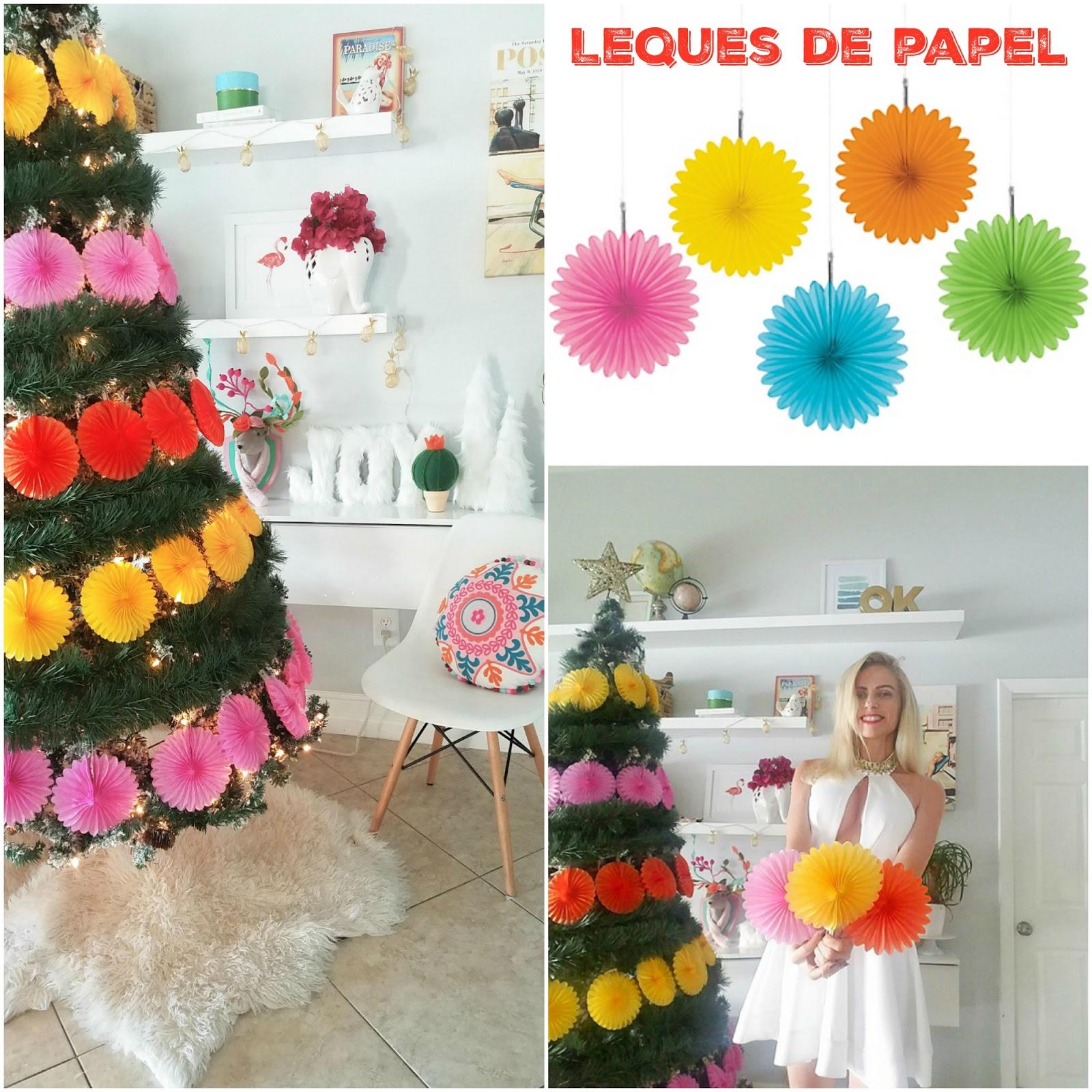 Casa Montada árvore De Natal Decorada Com Leque De Papel