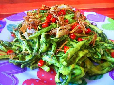 Kacang panjang santan bumbu kuning dengan variasi resep kuliner khas Bali yang yummy ini di Resep Masakan Khas Bali Jukut Bejek Kacang Panjang