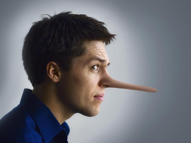 13 علامة تدل على أن الشخص يكذب عليك
