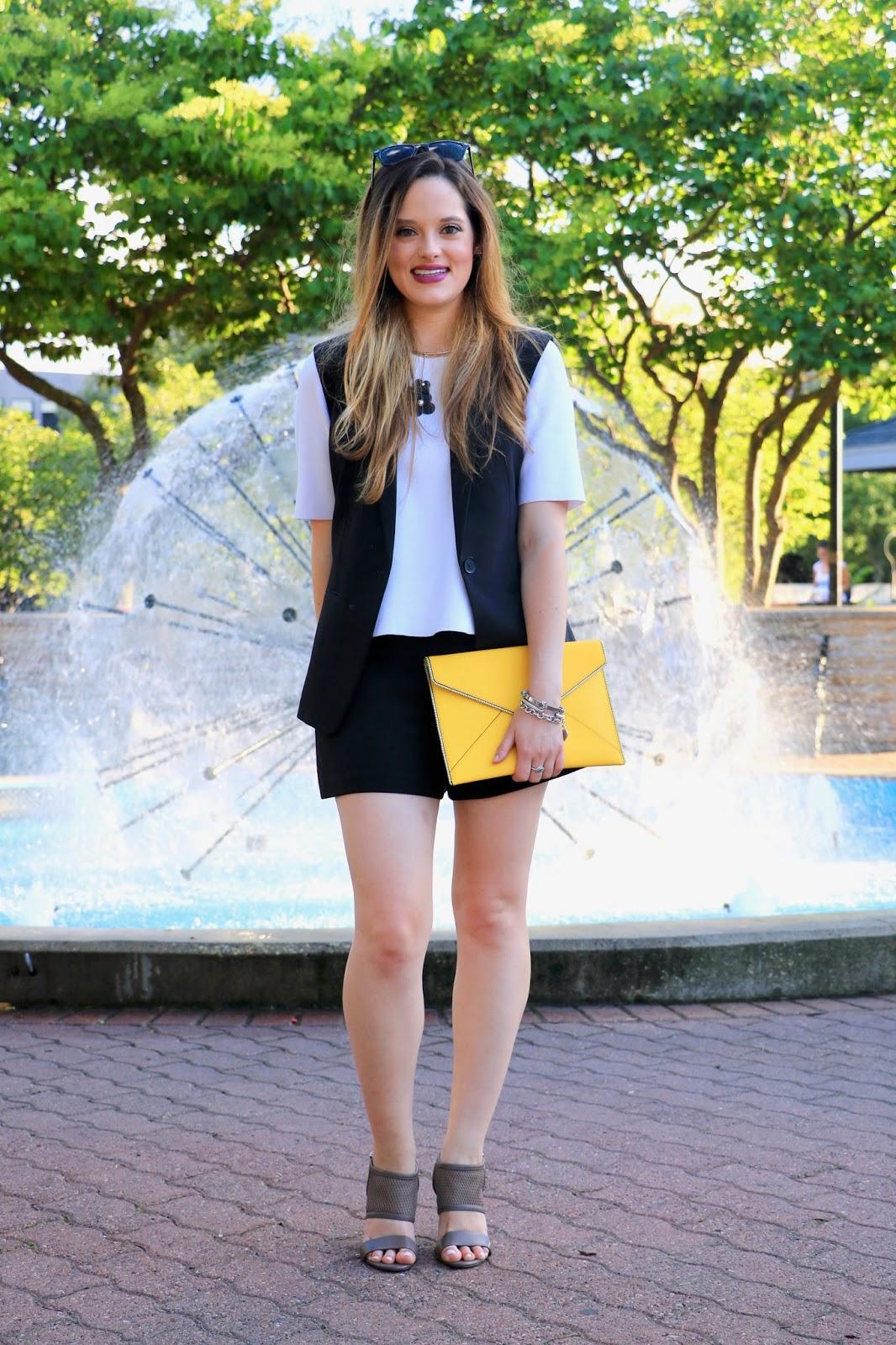 NYC fashion blogger Kathleen Harper of Kat's Fashion Fix wearing shorts