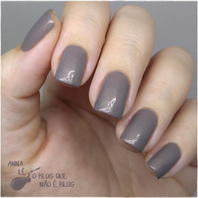 Clássica Mohda Esmalte Nailpolish Cinza com Shimmer