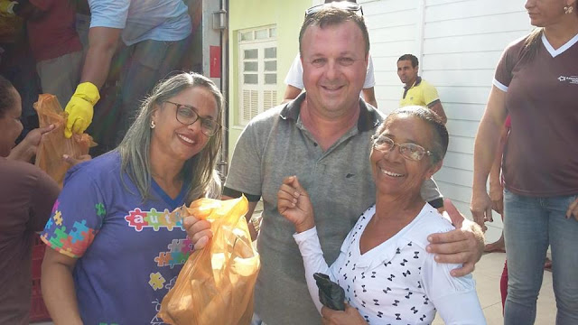 DOM MACEDO:Famílias Macedenses Recebem Kit peixe da Semana Santa