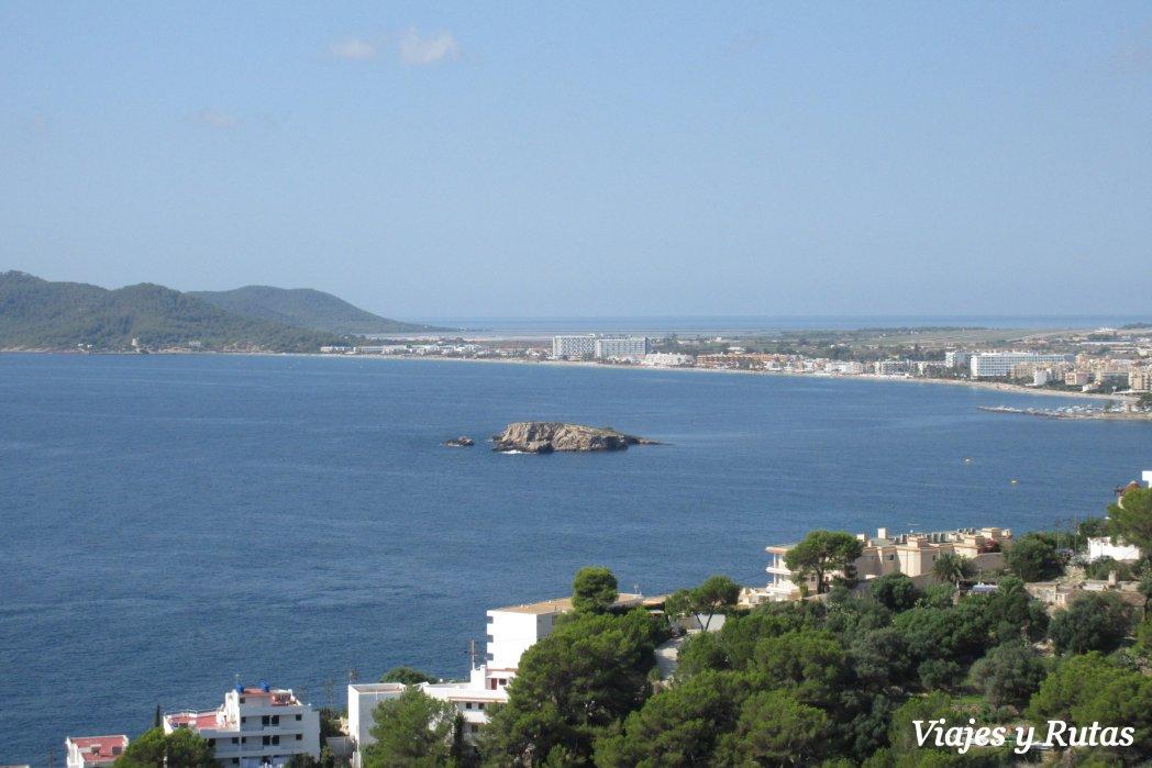 Playa d'en bossa vista desde la muralla de Ibiza